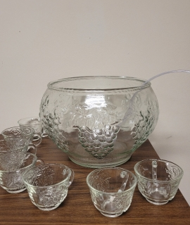 punch bowl 270x320 - Punch Bowl with 7 Glass Cups